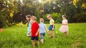 Jaki powinien być poziom aktywności fizycznej latem u dziecka?